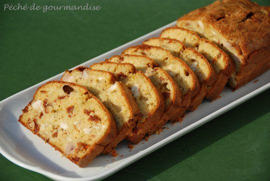 Cake au poulet, tomates séchées et pesto