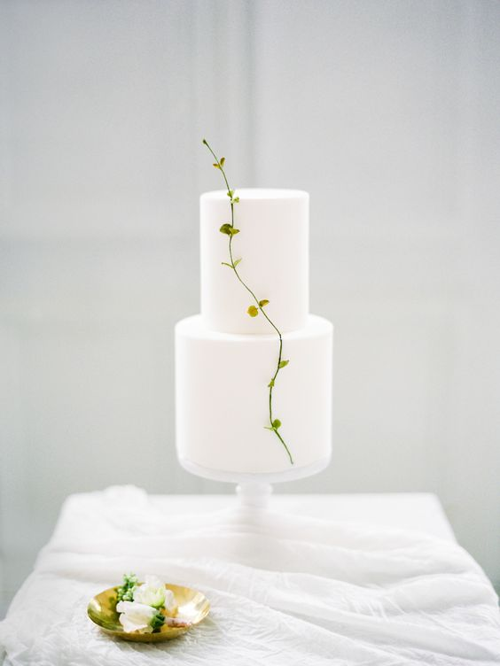 #wedding #brides #weddingreception #weddingcake #scandinavian #decor #weddingideas #weddinginspiration