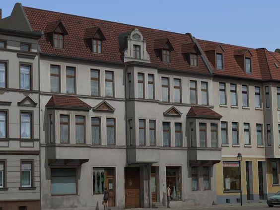 Altbauten mit Erkern und Geschäften. Ab #EEP8 http://bit.ly/Altbauten