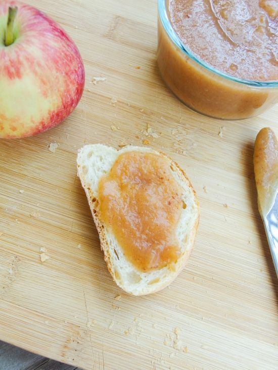 Salted Date Caramel Apple Butter: Slow cooker apple butter, sweetened only with dates!