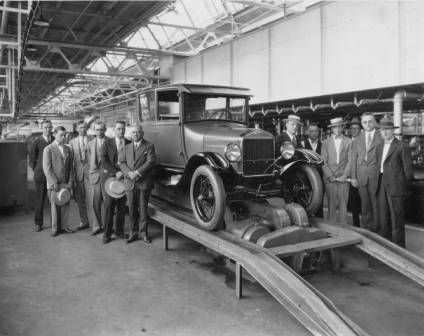 Last Model T Ford leaves assembly line, Louisville, Kentucky, 1927. :: R. G. Potter Collection