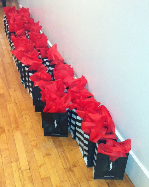 ...Who each got one of THESE! Yes, they are full of #BobbiBrown products and yes, I was jealous. #VIBlife #Sephora