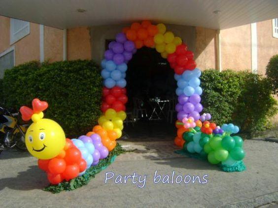 feita de balões...muito liinda e as crianças amam!