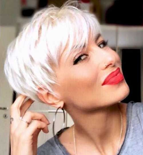 Platinum-Blonde-Pixie Short Hairstyles for Women Over 40 to Explore New Look