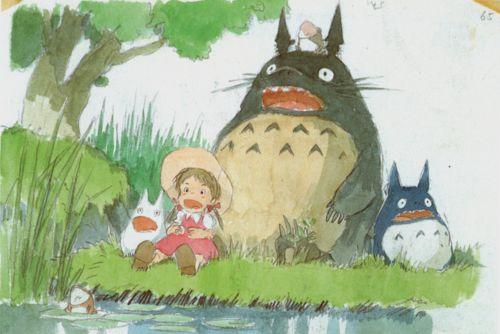 湖でくつろいでいるトトロ
