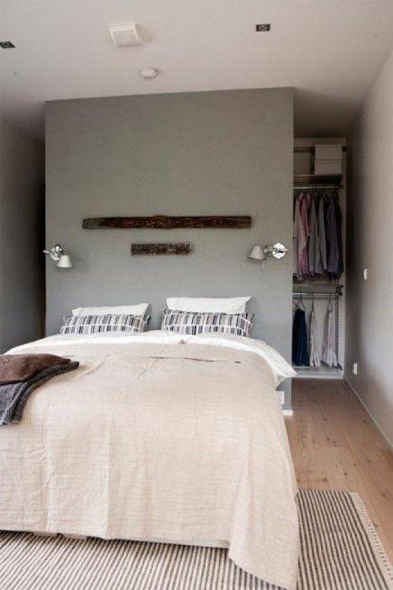 begehbarer-kleiderschrank-hinter-bett (7) Small apartments - schlafzimmer ideen mit schrgen