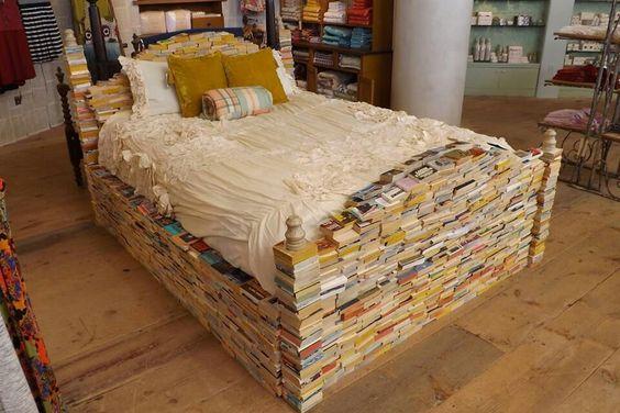Bücherbett