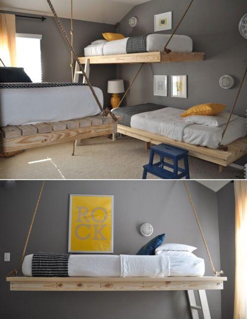 Pallet 'bunk' beds. How cool of an idea!!