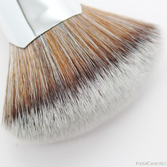 elf beautifully bare blending brush. #96001 blending brush http://www.eyeslipsface.nl/product-beauty/beautifully- bare-blending-brush   e.l.f. kwasten pinterest beauty trends and makeup elf beautifully bare n