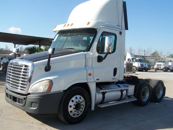2010 Freightliner Cascadia 125 Day Cab For Sale Freightliner Cascadia Freightliner Freightliner Trucks