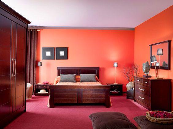 Chambre orange bois exotique