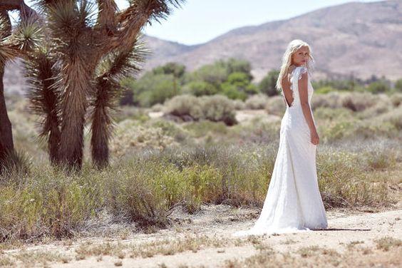 Vintage Inspired Wedding Dress Backless Ivory par DaughtersOfSimone