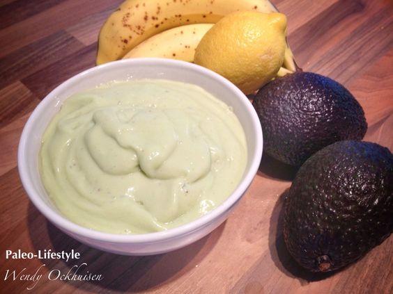 Romige avocado ontbijt mousse