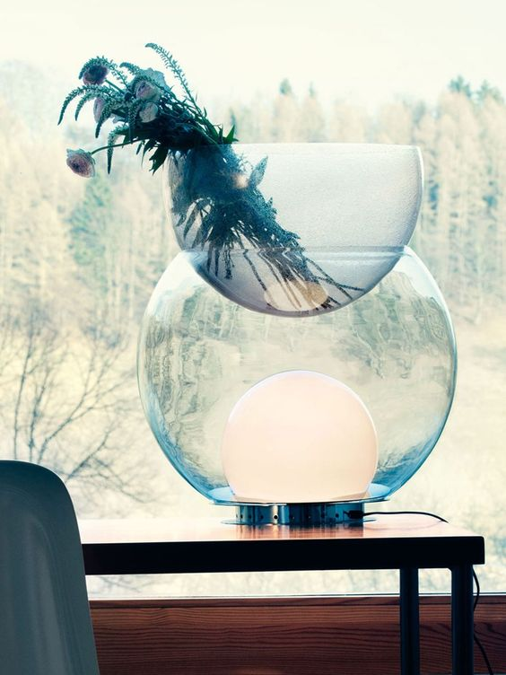Blown glass table lamp / vase GIOVA by FontanaArte | design Gae Aulenti