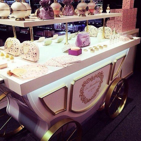 La Durée  #instargram#instagramers#ladurée#sugarrush#foodporn#sweet#fashion#love#instagood#me#cute#photooftheday#instamood#beautiful#igers#picoftheday#beauty#instadaily#follow#iphonesia#fashionista#followme#like#tagforlikes#fashionblogger#paris#cannes#monaco#montecarlo  Yummery - best recipes. Follow Us! #foodporn