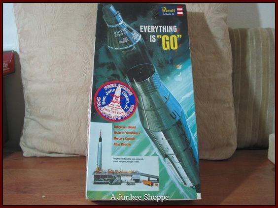 """REVELL 1998 Mercury Capsule & Atlas  Rocket """"A Salute To John Glenn"""" Model Kit  P733  http://ajunkeeshoppe.blogspot.com/"""