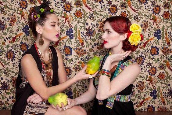 Las Fridas con papayas, another Mexican Kitsch editorial. mexican-kitsch-stylo