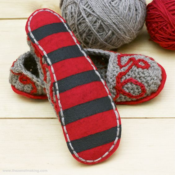 Knitting Shoes Tutorial : Tutorial fancy felt soles for crocheted slippers the