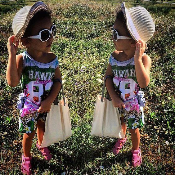Adoro correre nei prati con le mie #superga #shoes adoro raccogliere i fiorellini ma sopratutto sono pazza dei #cappelli #panamahatters adoro i miei occhiali di #dolcegabbana e con la mia borsettina di #minimu e il mio vestitino #originalmarines auguro a tutti voi che mi state seguendo buona giornata e se mi seguite e vedete la mia foto mettete un Like non vi costa niente ma mi farete felice. Please if you follow me put a Like in my #picoftheday #play #baby #babystyle #babyfashion…