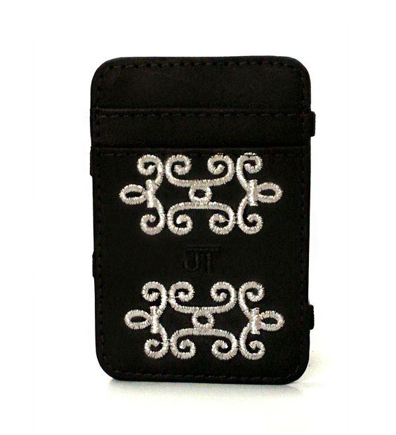 JT Magic Wallet Vitoriana Color: Black and White #couro #bordado #fashion #accessories #moda #style #design #acessorios #leather #joicetanabe #carteira #carteiramagica #courolegitimo #wallet