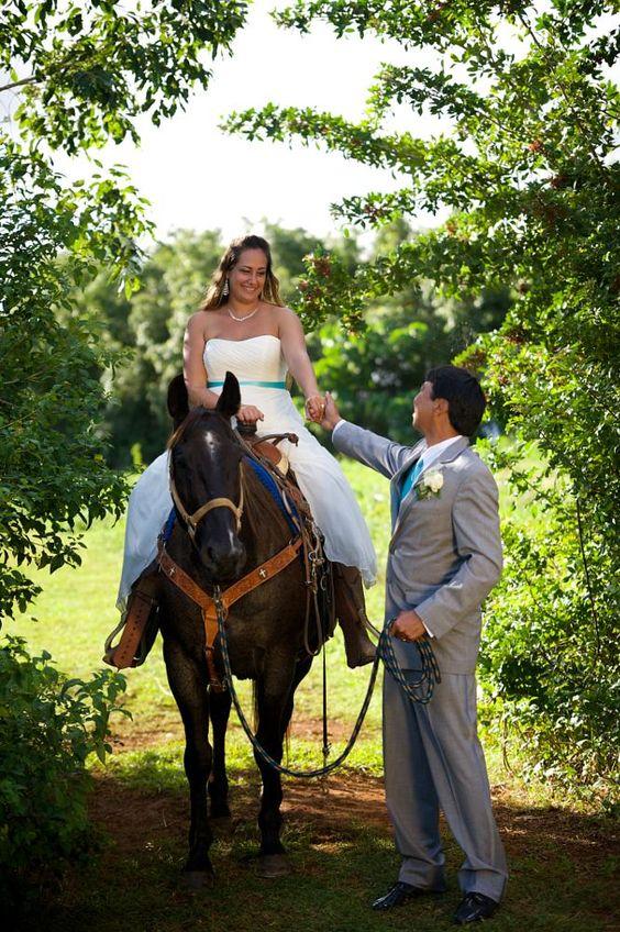 horseback bride by bobcoxphotography