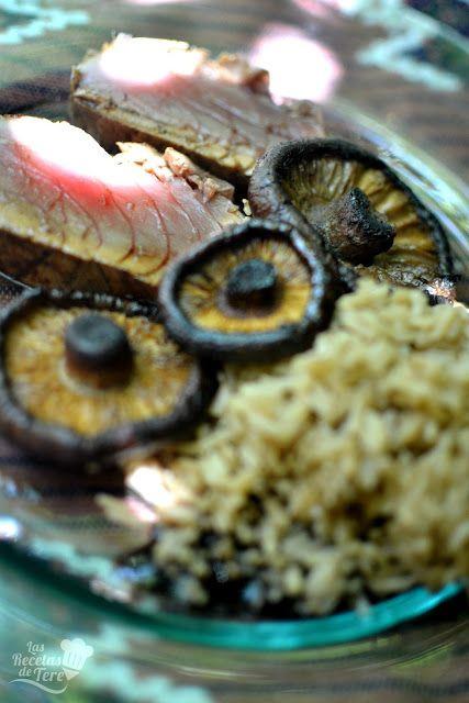 Tataki de atún rojo con arroz y setas a la plancha, exquisito! #atun #tuna #foodporn #receta http://www.tererecetas.com/2016/07/como-hacer-tataki-de-atun-rojo-con-arroz-y-setas.html …