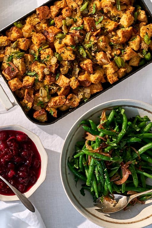 Whole Foods S 2020 Thanksgiving Menu Has Tons Of Delicious Options For Smaller Gatherings In 2020 Whole Food Recipes Whole Foods Thanksgiving Thanksgiving Menu