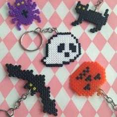 Lot de 5 porte-clés spécial halloween en perles à repasser
