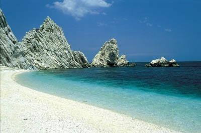 The Riviera del Conero: splendid sea and amazing beaches -  http://www.crossingitaly.net/travel/2558/riviera-del-conero/