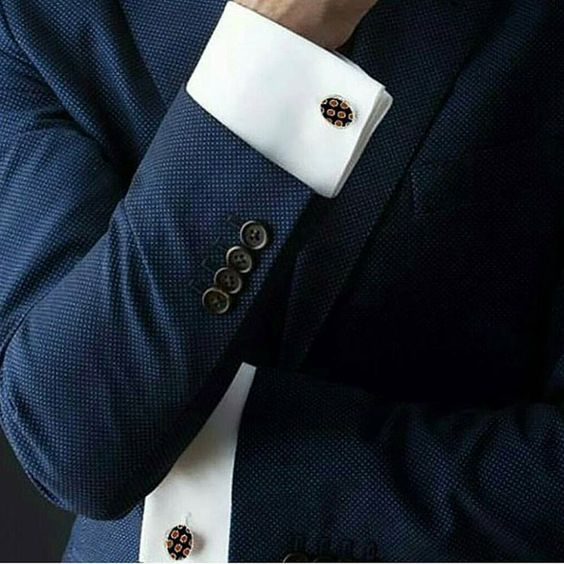 Add a Pinch of Glamour in Your Outfit with Stylish Cufflinks from AusCufflinks.