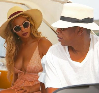 Welcome To Chitoo's Diary.: Beyoncé shares more vacation photos