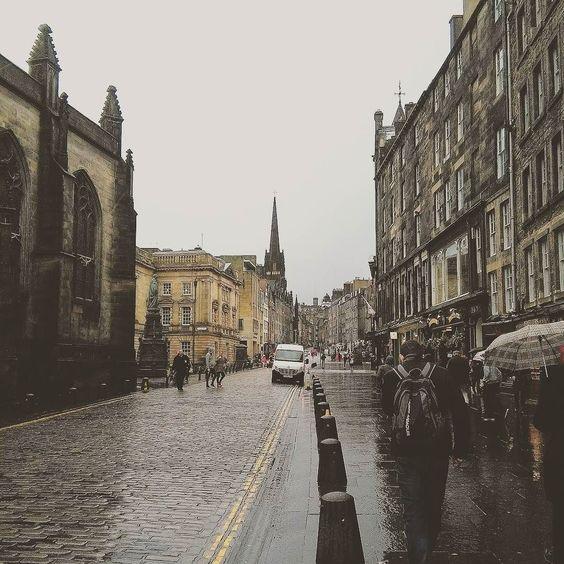 Postcard from #Edinburgh  #EdinLife #OnlyGoodThings by friskio