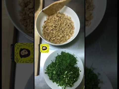 طريقة عمل رقاق السمبوسه و سمبوسه بالرقاق و ب حشوتين مقرمش و يجلس مده يحافظ على قرمشته Youtube Food Grains Rice