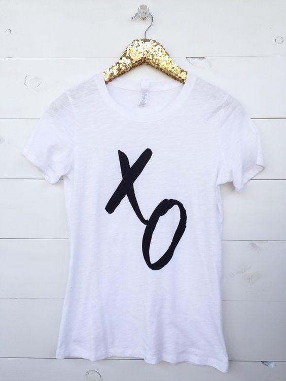 Graphic Tee. XO Shirt. Womens graphic love by SweetTsDesignShoppe