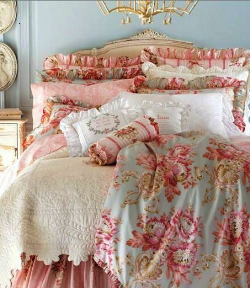 39 Shabby Chic Set Pillows To Have This Year Shabby Chic Decor Bedroom Chic Bedroom Decor Shabby Chic Bedrooms