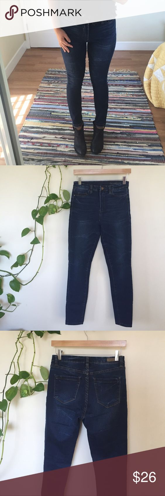 Blank denim high waisted skinny Blank denim high waisted skinny - size 27.  💙 10 inch rise, 28 inch inseam. I had them hemmed for ankle length so the fit is very contemporary! An added benefit. 92 cotton / 6 poly / 2 Lycra. These babies have great stretch, fit the body beautifully and are so comfortable. In fantastic condition, worn only 2x. I have a ton of blank denim - I think the brand is an easy fit and I'm always happy with my purchase. Blank Denim Jeans Skinny