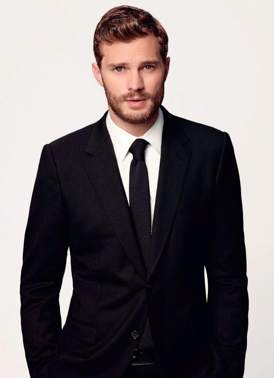 Christian in his black suit at the La Pergola, S5 E48