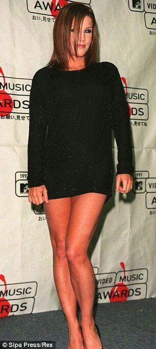 Lisa Marie Presley Sexy 38