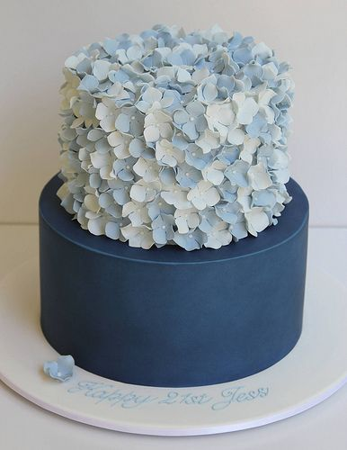 2-tier hydrangea cake