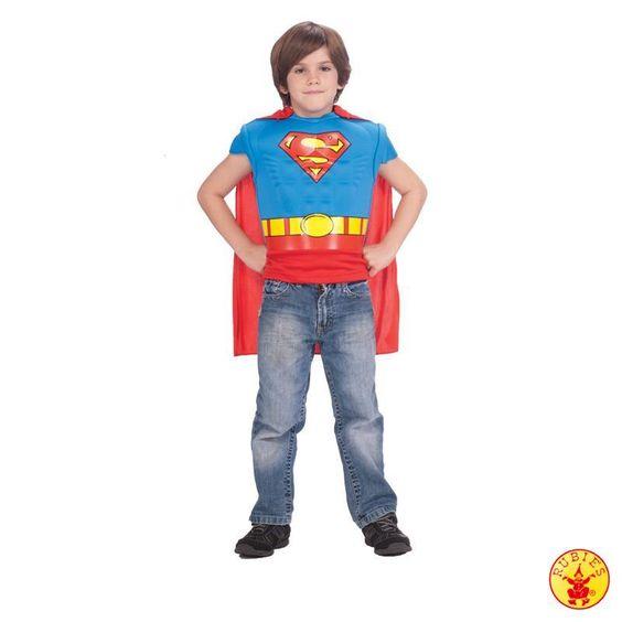 Superman Kostüm von Rubies. In der #Verleihkiste von Planet-Box. Zum Ausleihen für den #Kindergeburtstag. #Mottoparty perfekt feiern.