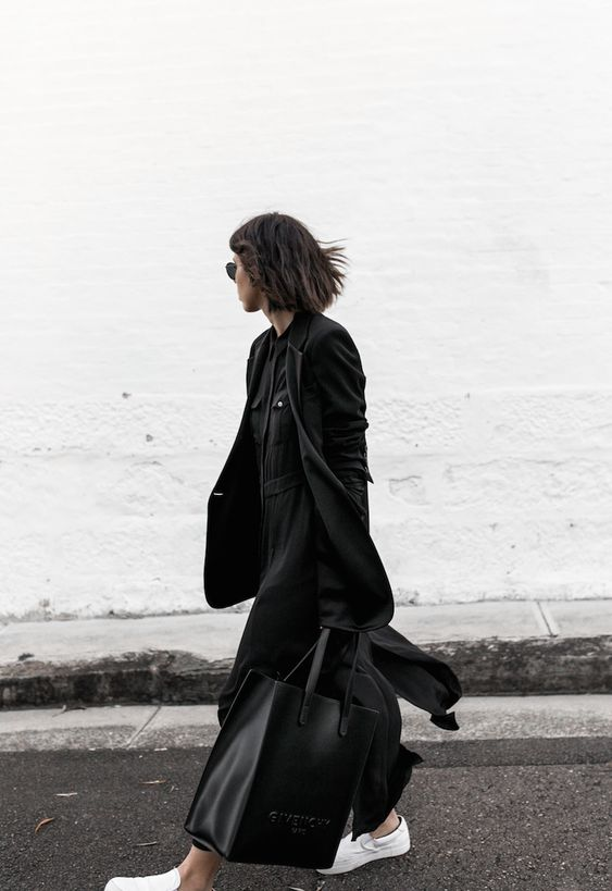 all black minimal outfit fashion blogger street style shirt dress Givenchy logo tote bag Celine sneakers modern legacy Karen Millen (6 of 16):
