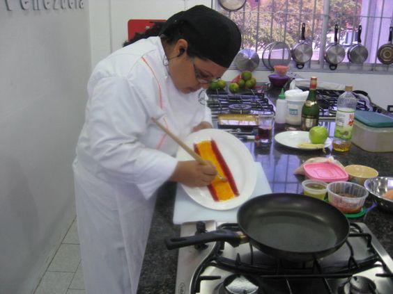 En pleno examen de cocina Española