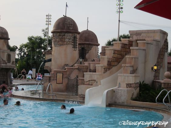 A look at Disney's Caribbean Beach Resort (with lots of great photos)!
