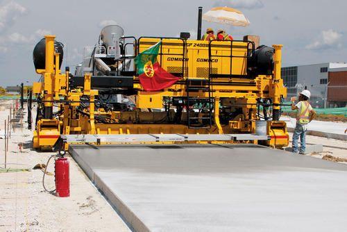 Concrete Paving Machine In 2020 Concrete Paving Paving Concrete Curbing