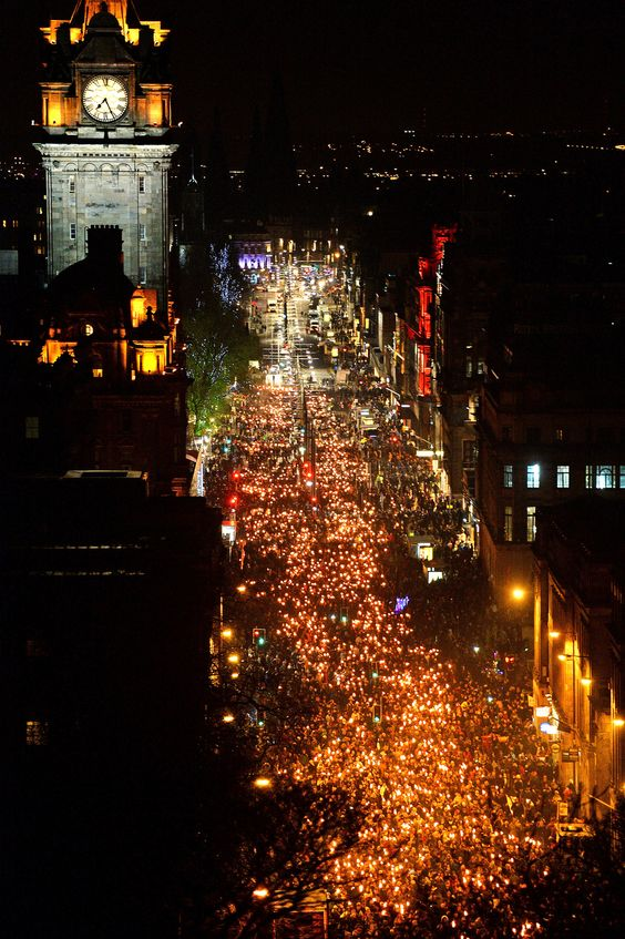 Dec. 30, 2013: The Torchlight Procession that starts the New Year's celebration of Hogmanay winds its way through the streets of Edinburgh, Scotland. - Found via Buzzfeed