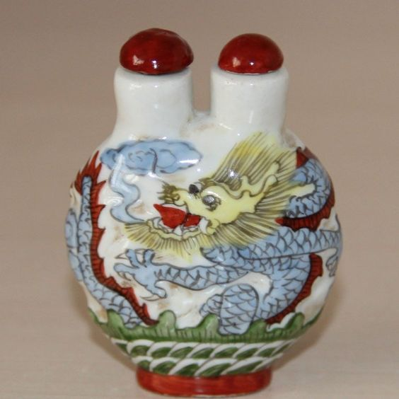 Chinese Famille Rose Porcelain  Colored dragon relief Double snuff bottles