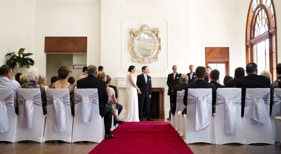 The lobby at Rydges Townsville makes for a stunning wedding ceremony venue. How beautiful!