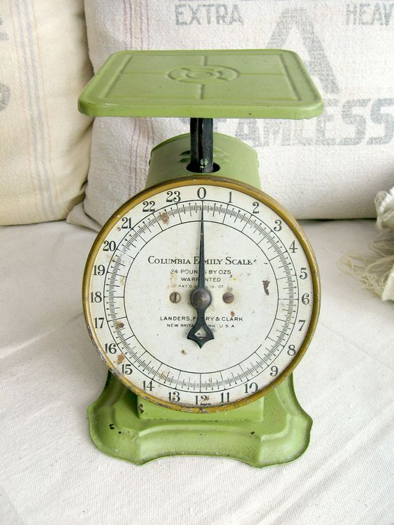 Vintage Kitchen Scale, Green Way Rite Scale, 25 lbs
