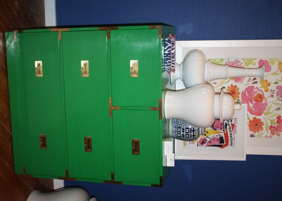 Everyone knows I LOVE kelly green and this campaign accent chest from Lilly Pulitzer (in Market Square) is amazing!!!