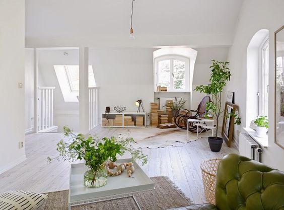 White Lofty Apartment